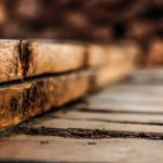 Dlaczego wybrać meble drewniane do domu?